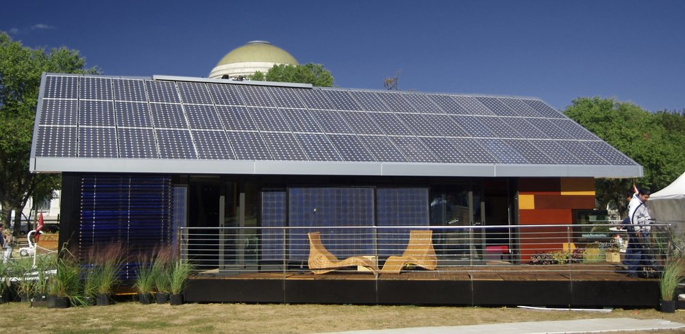 Universidad_Politecnica_de_Madrid_house_(back_view)_Solar_Decathlon_2007.jpg